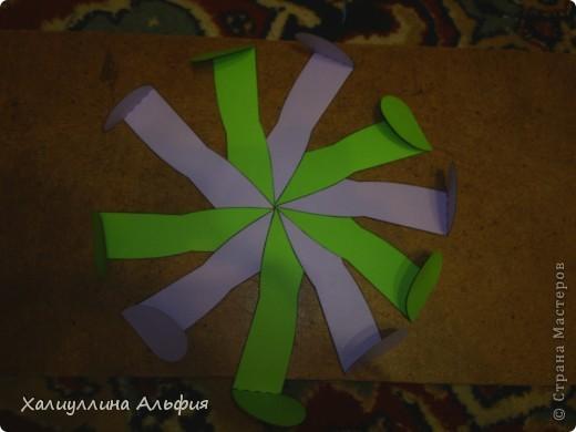 """Данная модель называется """"Ten-Sided Yin-Yang Globe"""" Автором ее является американец Chapman-Bell Philip (Филип Чапман-Бэлл) Она выглядит очень необыкновенно. Мастер класс к ней в СМ я не нашла, поэтому и решила сделать его сама. фото 12"""