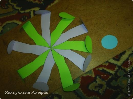"""Данная модель называется """"Ten-Sided Yin-Yang Globe"""" Автором ее является американец Chapman-Bell Philip (Филип Чапман-Бэлл) Она выглядит очень необыкновенно. Мастер класс к ней в СМ я не нашла, поэтому и решила сделать его сама. фото 13"""