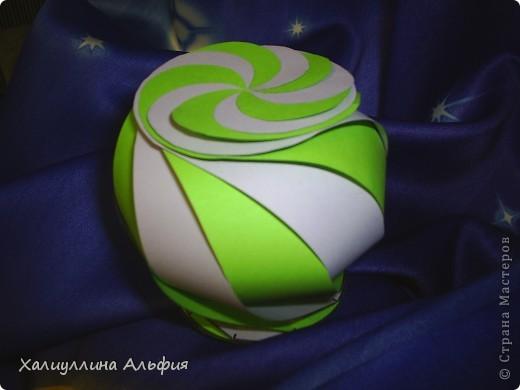 """Данная модель называется """"Ten-Sided Yin-Yang Globe"""" Автором ее является американец Chapman-Bell Philip (Филип Чапман-Бэлл) Она выглядит очень необыкновенно. Мастер класс к ней в СМ я не нашла, поэтому и решила сделать его сама. фото 1"""