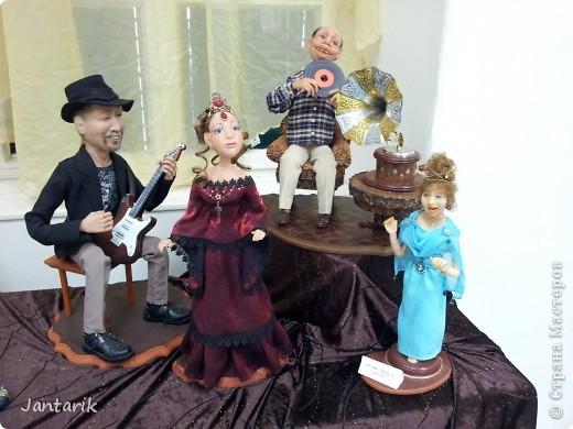 В Хайфе в эти дни проходит выставка кукол,в которой и я принимаю участие. Это мой скромный уголок. На выставке много посетителей и особенно много детей.Приезжают со всей страны.Тема выставки в этом году связана с виноградными изделиями))) и украшениями. фото 16