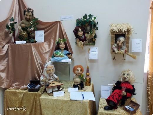 В Хайфе в эти дни проходит выставка кукол,в которой и я принимаю участие. Это мой скромный уголок. На выставке много посетителей и особенно много детей.Приезжают со всей страны.Тема выставки в этом году связана с виноградными изделиями))) и украшениями. фото 11