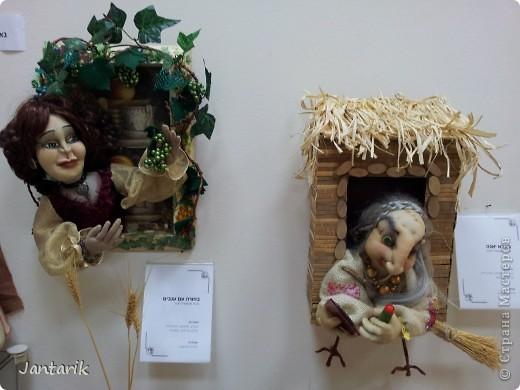 В Хайфе в эти дни проходит выставка кукол,в которой и я принимаю участие. Это мой скромный уголок. На выставке много посетителей и особенно много детей.Приезжают со всей страны.Тема выставки в этом году связана с виноградными изделиями))) и украшениями. фото 12