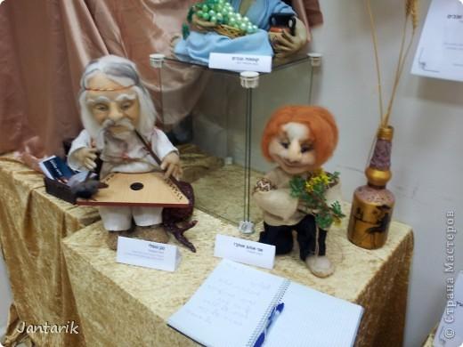 В Хайфе в эти дни проходит выставка кукол,в которой и я принимаю участие. Это мой скромный уголок. На выставке много посетителей и особенно много детей.Приезжают со всей страны.Тема выставки в этом году связана с виноградными изделиями))) и украшениями. фото 13