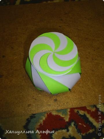 """Данная модель называется """"Ten-Sided Yin-Yang Globe"""" Автором ее является американец Chapman-Bell Philip (Филип Чапман-Бэлл) Она выглядит очень необыкновенно. Мастер класс к ней в СМ я не нашла, поэтому и решила сделать его сама. фото 19"""
