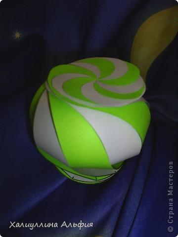 """Данная модель называется """"Ten-Sided Yin-Yang Globe"""" Автором ее является американец Chapman-Bell Philip (Филип Чапман-Бэлл) Она выглядит очень необыкновенно. Мастер класс к ней в СМ я не нашла, поэтому и решила сделать его сама. фото 20"""