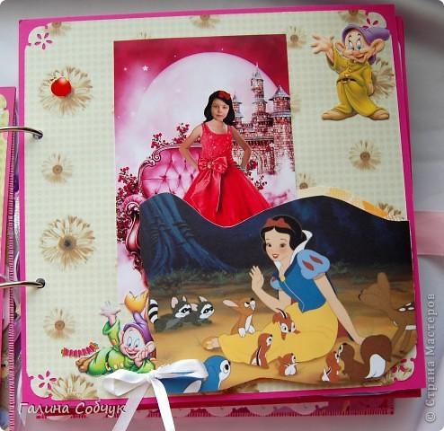 Девочка, героиня этого альбома, ОЧень любит мультики(с принцессами особено). Это и породило идею альбома.  Желаю приятного просмотра!!=)) фото 8