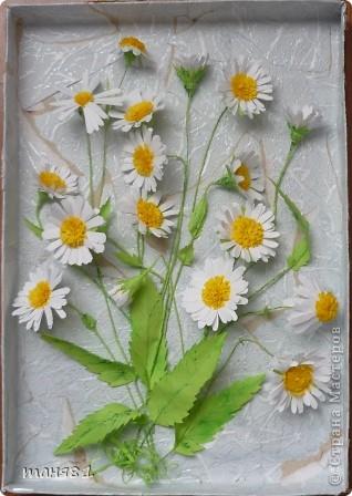 Вот такие у меня расцвели ромашки. Картину делала еще в начале лета, в подарок. Спасибо всем мастерицам у которых я подглядывала как ромашечки делать. фото 2