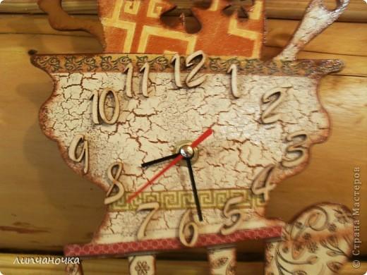 Давно хотелось сделать часы..уж очень завидовала,глядя на работы других мастериц...но живу в городе,где всё найти очень трудно...вот не спеша,заказала заготовочку по инету,потом механизм часовой...потом цифры (уж очень хотелось обёмные) фото 2