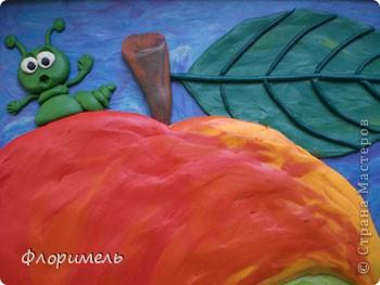 """Вот и """"созрела"""" новая картина из пластилина, с которой я хочу поучаствовать на """"Яблочном конкурсе"""" в СМ http://stranamasterov.ru/node/393249. фото 2"""