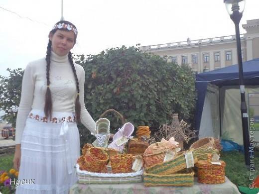 18 августа в Нижнем Новгороде у речного вокзала собирался народ да не просто так, а на Ярмарку. Были тут мастера, подмастерья  с городов разных. Приехали купцы молодцы да девицы красавицы на других посмотреть и себя показать.  фото 6