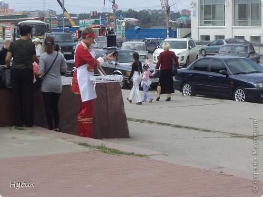 18 августа в Нижнем Новгороде у речного вокзала собирался народ да не просто так, а на Ярмарку. Были тут мастера, подмастерья  с городов разных. Приехали купцы молодцы да девицы красавицы на других посмотреть и себя показать.  фото 44