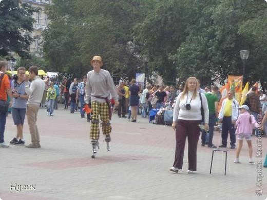 18 августа в Нижнем Новгороде у речного вокзала собирался народ да не просто так, а на Ярмарку. Были тут мастера, подмастерья  с городов разных. Приехали купцы молодцы да девицы красавицы на других посмотреть и себя показать.  фото 3