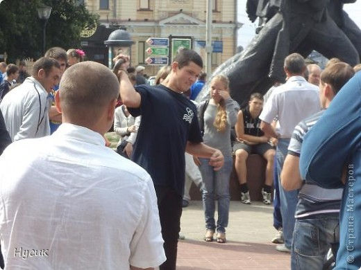 18 августа в Нижнем Новгороде у речного вокзала собирался народ да не просто так, а на Ярмарку. Были тут мастера, подмастерья  с городов разных. Приехали купцы молодцы да девицы красавицы на других посмотреть и себя показать.  фото 42