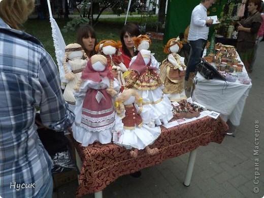 18 августа в Нижнем Новгороде у речного вокзала собирался народ да не просто так, а на Ярмарку. Были тут мастера, подмастерья  с городов разных. Приехали купцы молодцы да девицы красавицы на других посмотреть и себя показать.  фото 34