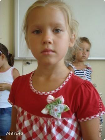 Всем здравствуйте! К предыдущим комплектам украшений сделали с девочками вот такие резиночки для волос. фото 4