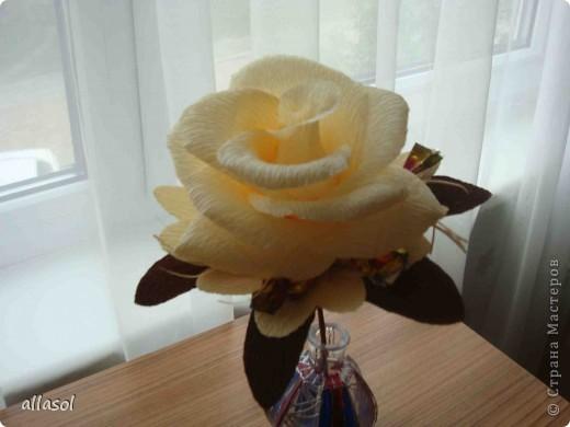 Цветочная тема продолжается, но на этот раз цветы сладкие. Все три цветка сделаны по одному принципу.  фото 7
