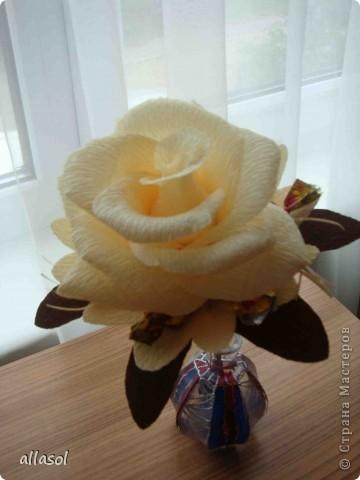 Цветочная тема продолжается, но на этот раз цветы сладкие. Все три цветка сделаны по одному принципу.  фото 8