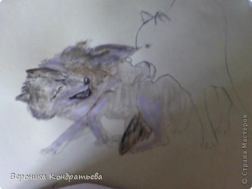 Попробуем нарисовать вот таких волков гуашью?  У меня это первый эксперимент, не судите строго...) В этой картине я немного поиграю с положением хвостов, ну и немного лап.) фото 18