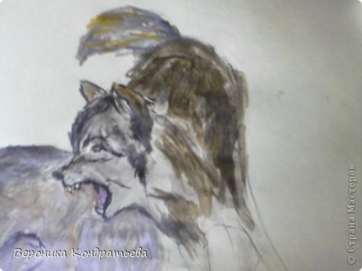Попробуем нарисовать вот таких волков гуашью?  У меня это первый эксперимент, не судите строго...) В этой картине я немного поиграю с положением хвостов, ну и немного лап.) фото 28