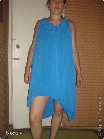 Сшила себе платье - трансформер Emami. Шьется очень легко , осилит даже начинающая портниха . выкройку взяла в итернете , просто в поисковике набрала емами ... фото 3