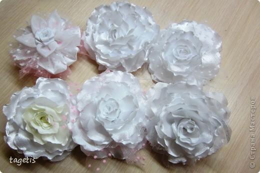 Все готовятся к 1 сентября и я туда же... Мои любимые розы  (каждой по две, все на резинках)  фото 7