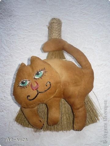 Сегодня будем делать ароматизированные текстильные игрушки-запеканки. Этот кофейный кот для заманухи. фото 15