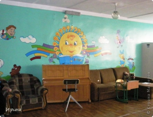 В нашей школе есть дошкольный модуль (детский сад) для деток 4-6 лет. Мы с любовью оформили для них стены в блоке. Надеемся, им понравится. фото 2