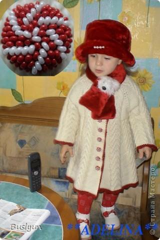 Доброго всем времени суток!!! Недавно в интернете наткнулась на такую чудесную пуговку из бисера, а вот как ее воплотить в жизнь никак понять не могу. Если сможете объяснить, как ее сплести, буду безмерно благодарна - она очень подходит к пальто, которое вяжу для дочки.