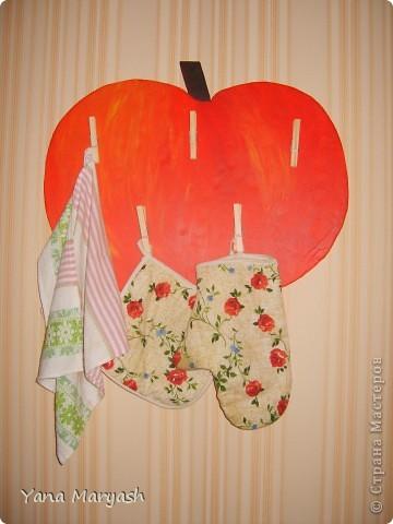 Это яблочко я сделала специально для кухонных прихваток и полотенец. фото 2