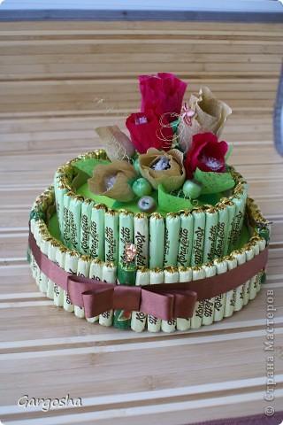 Первый торт из конфет.Все ошибки вижу, знаю,очень хотелось показать! фото 1