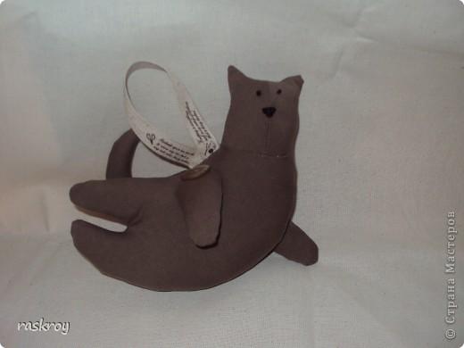 """Не знаю почему, но глядя на этих котов у меня всплывает слоган """"Висячие сады Семирамиды"""", только тут не сады, а коты))) фото 1"""
