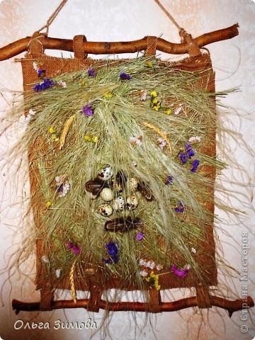 Это панно выполнено полностью из природного материала.Процесс изготовления очень простой. Главное иметь заготовки сухих трав, цветов.А там, каждый включает фантазию и понеслось...... фото 1