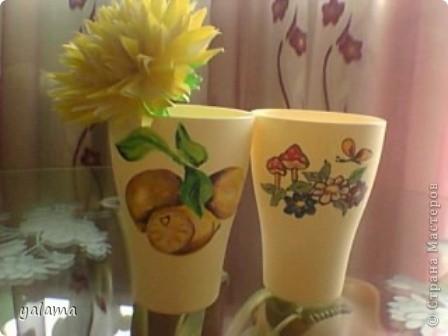 Сегодня решила показать очередную работу - это стаканчики. Вот как я их разрисовала. фото 2