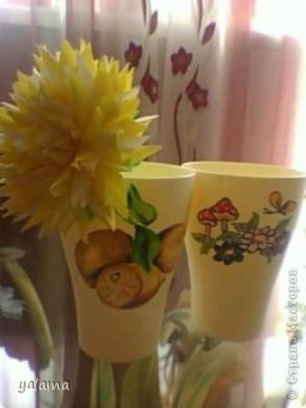 Сегодня решила показать очередную работу - это стаканчики. Вот как я их разрисовала. фото 3