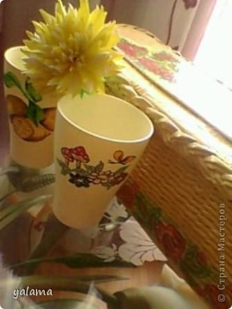 Сегодня решила показать очередную работу - это стаканчики. Вот как я их разрисовала. фото 8