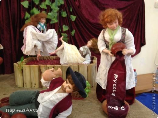 Привет, Страна! С 16-го по 19-е августа в Хайфе проходила всеизраильская выставка кукол ручной работы. Темой выставки был назван виноград и напитки из него:) Для начала - вот Вам Вакх, выбранный символом выставки. фото 5