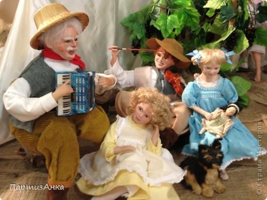 Привет, Страна! С 16-го по 19-е августа в Хайфе проходила всеизраильская выставка кукол ручной работы. Темой выставки был назван виноград и напитки из него:) Для начала - вот Вам Вакх, выбранный символом выставки. фото 7