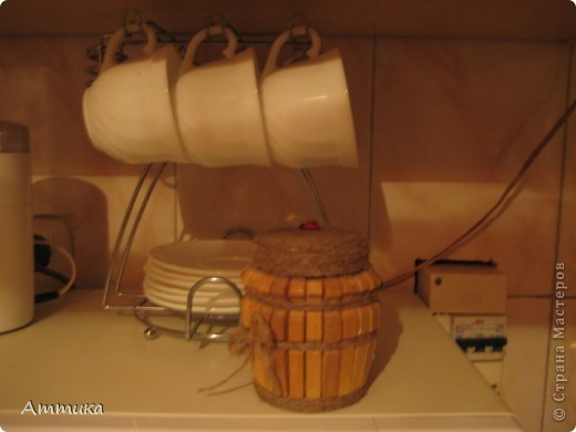 Захотелось украсить кухню, в результате появилась вот такая баночка, я в ней храню специи. фото 2