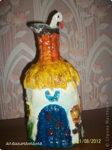 Ну, и одно из последних моих творений, домики из бутылок, это полностью под впечатлением от Ваших работ - Мастерицы!!!!! Первое мое творение - замок. Сидит девица в сырой темнице.. фото 8