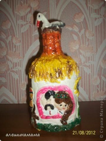 Ну, и одно из последних моих творений, домики из бутылок, это полностью под впечатлением от Ваших работ - Мастерицы!!!!! Первое мое творение - замок. Сидит девица в сырой темнице.. фото 7