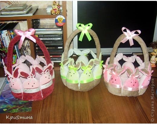 В этом году я приготовила очень красивые пасхальные яйца и сшила замечательные корзиночки в подарок для мамы и сестры фото 3