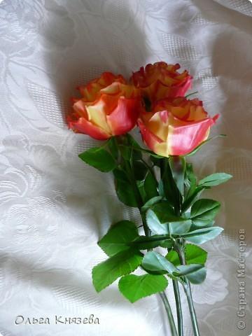 Слепила для своей одинокой красавицы двух подружек)... Сами цветочки-то сразу слепила, да вот только руки дошли доделать)... Принимайте фото 2