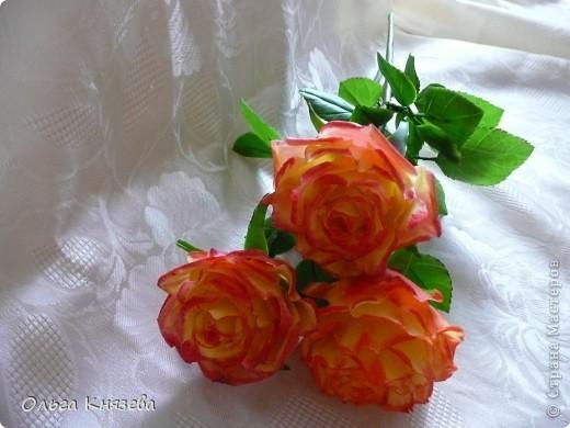 Слепила для своей одинокой красавицы двух подружек)... Сами цветочки-то сразу слепила, да вот только руки дошли доделать)... Принимайте фото 3