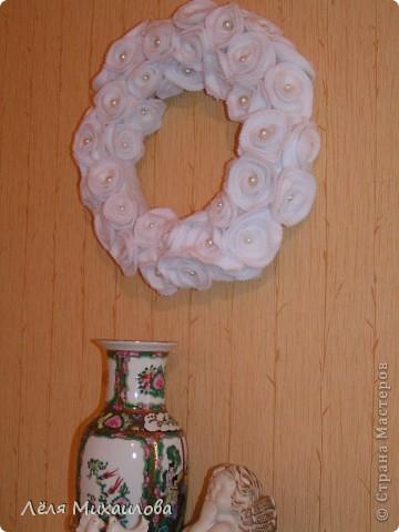Сегодня венок из роз. Розочки изготовлены из мягкой приятной ткани - флиса. фото 3