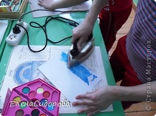 На кружке первый раз пробовали технику изображения - энкаустика. Мастер класс увидела в Интернете (сайт не помню). Очень интересное занятие, дети были в восторге! Они так же, как и я, любят все новое. фото 2