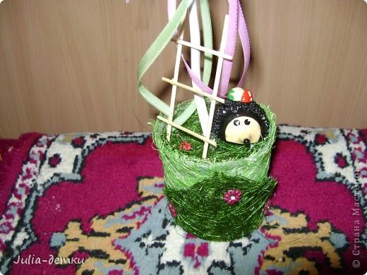 Этот топиарчий создавался еще в июне, и улетел в далекий Калининград. Сколько не делаешь деревца фруктовые, а каждый раз они разные получаются. Ну а день чудесный бы, создался он без творческих мук, легко и весело , ну и, конечно, у ежика день хороший, грибочек нашел :-) ! фото 3