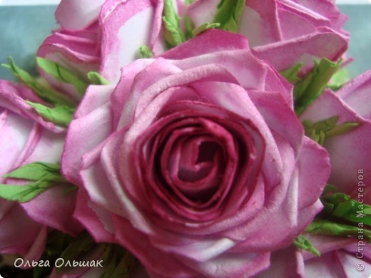 Дорогие мастерицы!Я опять к вам с очередным букетом  из роз! Это окончательный вариант с добавкой бусин в букет и вниз. фото 3