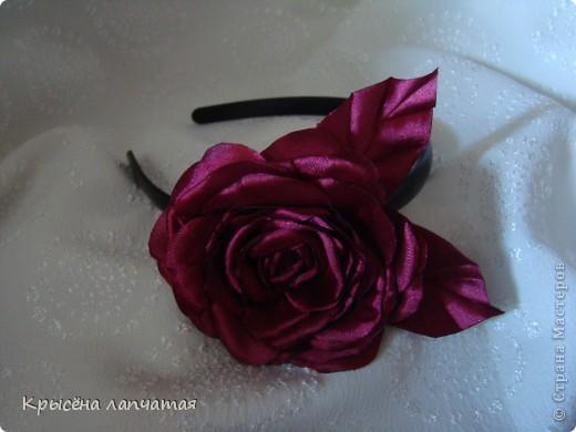 Давно заглядывалась на изумительные розы Ольги http://stranamasterov.ru/user/137017 Вот и представился случай. Нужно было сделать ободочек на подарок и вот что получилось. Конечно, до оригинала далеко, но... уверена эта не последняя)))))))))) фото 2