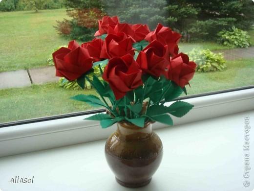 Продолжаю подготовку к выставке цветов оригами. Розы Кавасаки я уже делаю не в первый раз.  http://stranamasterov.ru/node/198800  фото 1