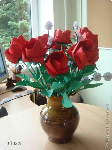 Продолжаю подготовку к выставке цветов оригами. Розы Кавасаки я уже делаю не в первый раз.  http://stranamasterov.ru/node/198800  фото 3